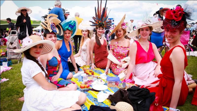 Chaque année, quelle course hippique française sacre la meilleure pouliche de 3 ans à l'hippodrome de Chantilly ?