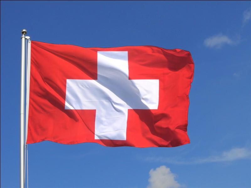 Cet État fédéral (drapeau en photo) ne fait pas partie de l'Union européenne. Une anagramme de son nom correspond à une définition. Laquelle ?