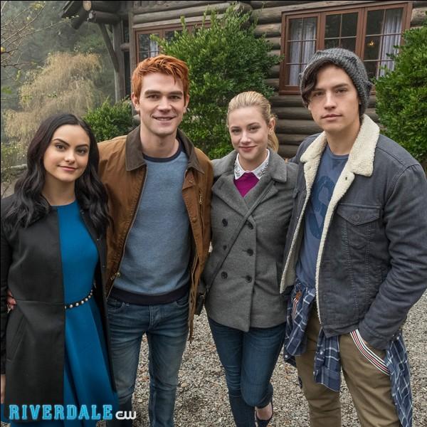 Où Archie, Jughead, Betty et Veronica passent-ils un week-end ?