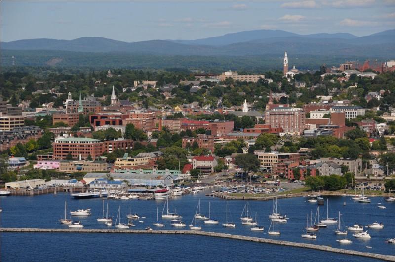 Située sur la rive est du Lac Champlain, plus proche de Montréal que de Boston, c'est la plus grande ville de l'État du Vermont, avec 42 000 habitants. Quelle est cette ville ?