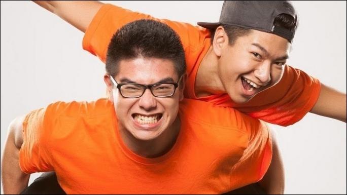 Quel est le lien de parenté entre Kevin et Henry, le duo de la chaîne YouTube, Le Rire Jaune ?