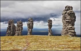 Portant le nom de Manpoupounior, ces étonnantes formations rocheuses se situent en Russie, ...