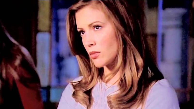 Dans la saison 3, de qui Phoebe est-elle amoureuse ?