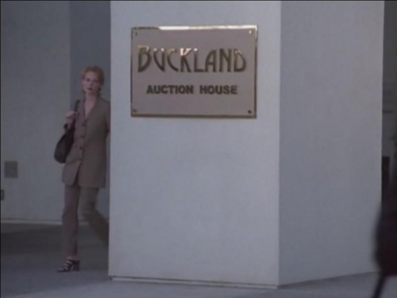 Qui travaille à Buckland ?