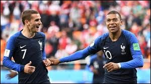 """Quel joueur français a marqué lors du """"France - Pérou"""" ?"""
