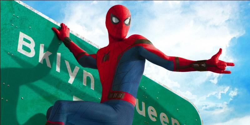 Pourquoi Peter Parker est-il étonné pendant sa discussion avec Tony Stark au début du film ?