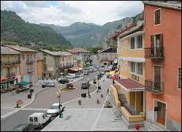Nous partons en région P.A.C.A, à Guillaumes. Village au confluent du Var et du Tuébi, il se situe dans le département ...