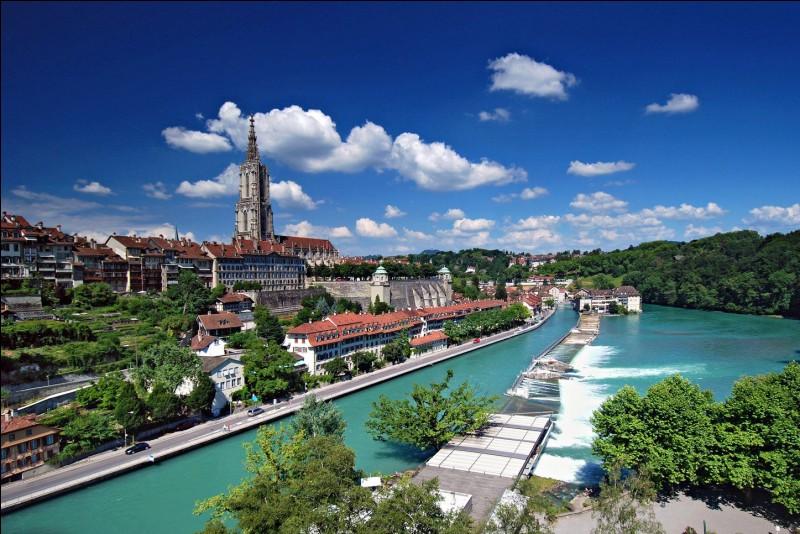 Laquelle de ces villes est la capitale de la Suisse ?