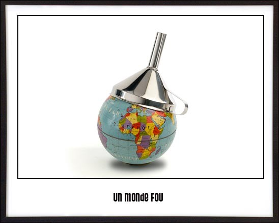 Qui chantait 'Le monde est fou, fou, fou voyez-vous...' ?