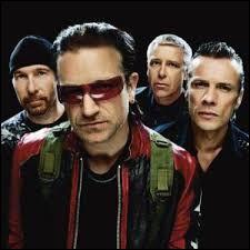 Qui est le leader du groupe U2 ?