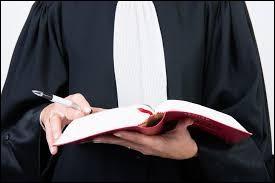 """Né le 7 octobre 1967 à Boulogne-Billancourt, je suis un avocat de nationalité franco-algérienne. On m'a surnommé """"l'avocat des voyous"""". Je suis le fondateur et président de la Ligue de défense judiciaire des musulmans. Je suis..."""