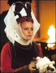 """Dans cette suite du film """"Les Visiteurs"""", quelle actrice reprend le rôle de Valérie Lemercier ?"""