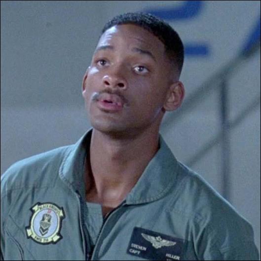 L'acteur Will Smith est né le 25 septembre 1968. Dans quel film de science fiction à grand succès tient-il le premier rôle ?