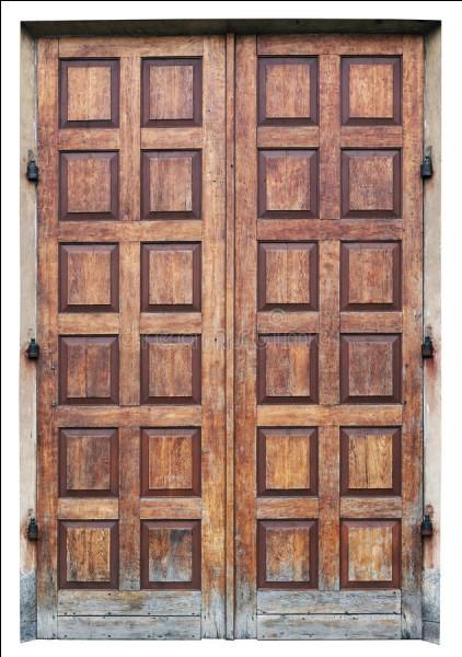 Qui ouvre de grandes portes ?