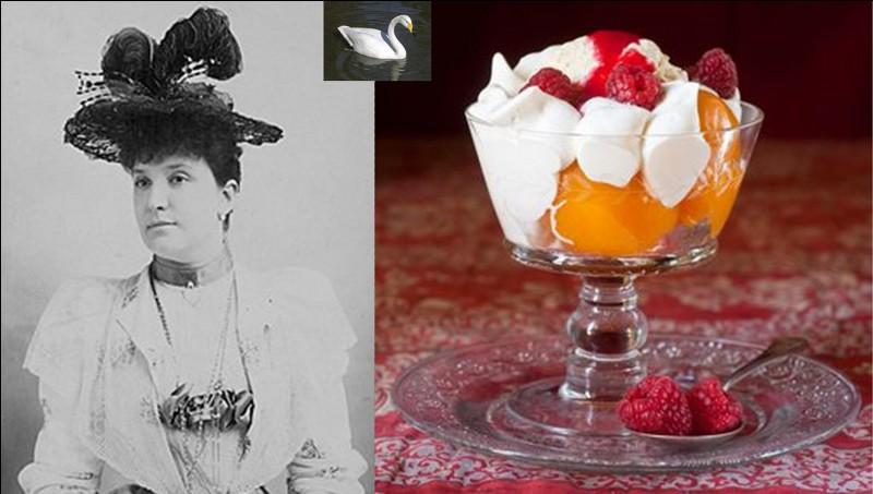En 1899, pour l'inauguration de l'hôtel Carlton de Londres, Auguste Escoffier donna le nom d'une cantatrice australienne à un dessert qu'il avait créé quelques années plus tôt. Il s'agit de la « pêche Melba ».Quel était son nom à l'origine ?