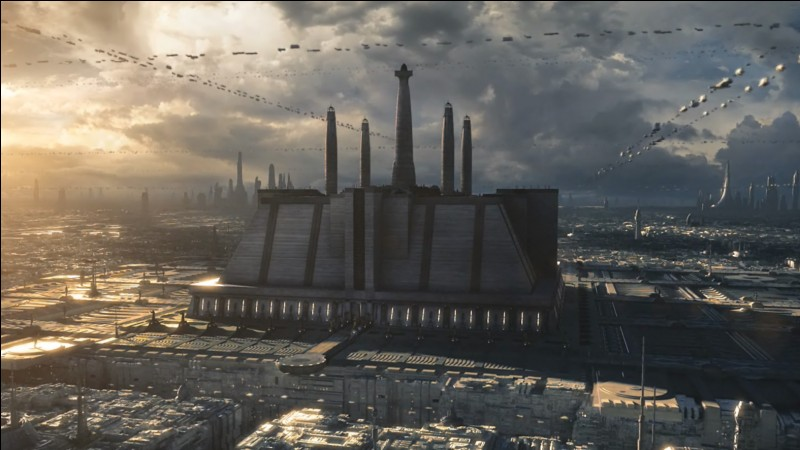 Comment s'appelle la tour centrale du temple Jedi ?