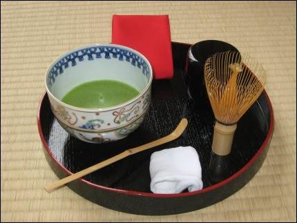 Le matcha, toujours en poudre, est utilisé lors de la célèbre cérémonie du [...] au Japon. Dégustez cette tasse de...
