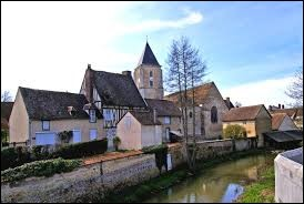 Mézilles est un village de Bourgogne-Franche-Comté situé dans le département ...