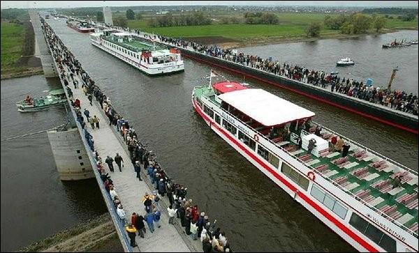 C'est lui le plus long maintenant, avec ses 918 m, il enjambe l'Elbe. La réunification de l'Allemagne a fait de sa construction, une priorité.Ce pont-canal va faciliter les échanges entre le port intérieur de Berlin avec les ports le long du Rhin.Quel est son nom ?