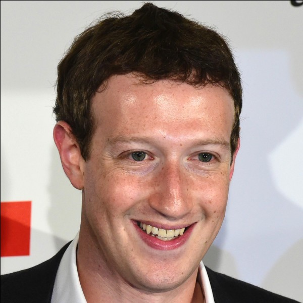 Quel réseau social fut créé par cet homme alors qu'il était étudiant ?