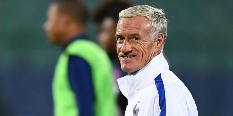 Quelle équipe de football Didier Deschamps entraînait-il avant l'équipe de France ?