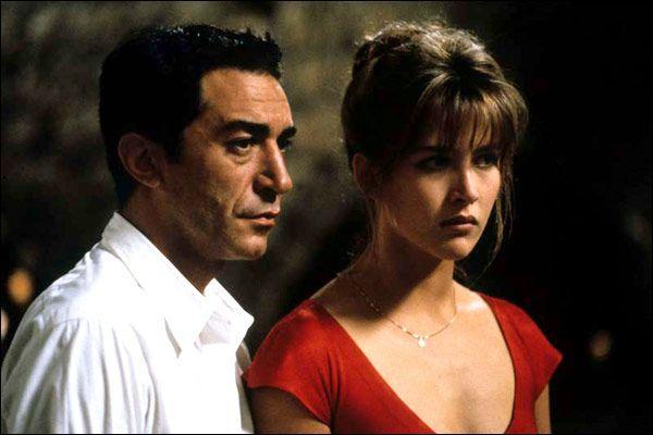 Elle est Laura face à Richard Berry dans ce film ...