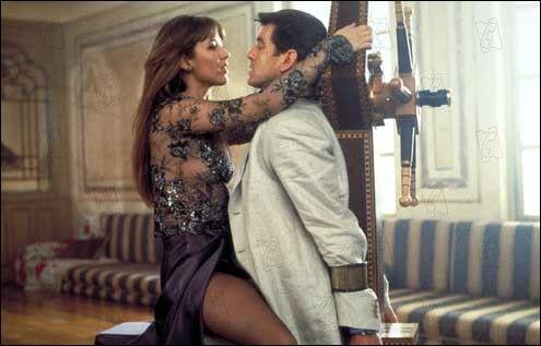 Fface à James Bond dans ce film