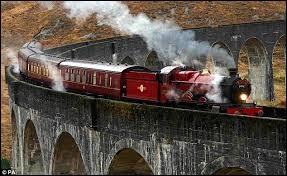 """Comment s'appelle le train qui mène à l'école de magie dans la saga """"Harry Potter"""" ?"""