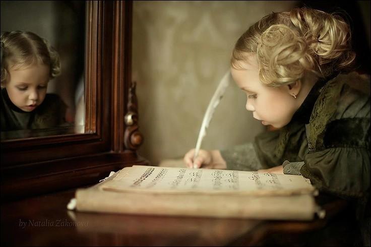 """À qui appartient le poème commençant par """"J'ai plus de souvenirs que si j'avais mille ans"""" ?"""