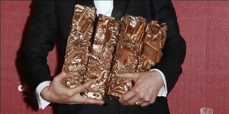 """Quel prestigieux prix, anciennement appelé """"Étoile de cristal"""" récompense les personnes dans le monde du cinéma en France ?"""