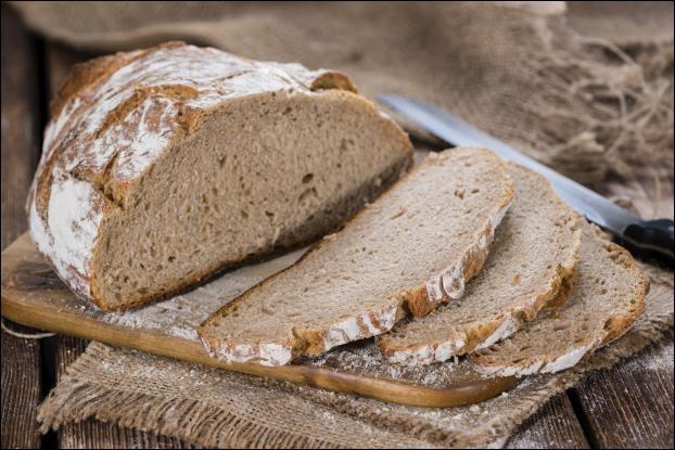 Appellation donnée en France, dans la seconde moitié du 20ème siècle, à certains types de pains de fabrication courante, censés posséder le goût et les caractéristiques du pain ordinaire des régions d'autrefois.