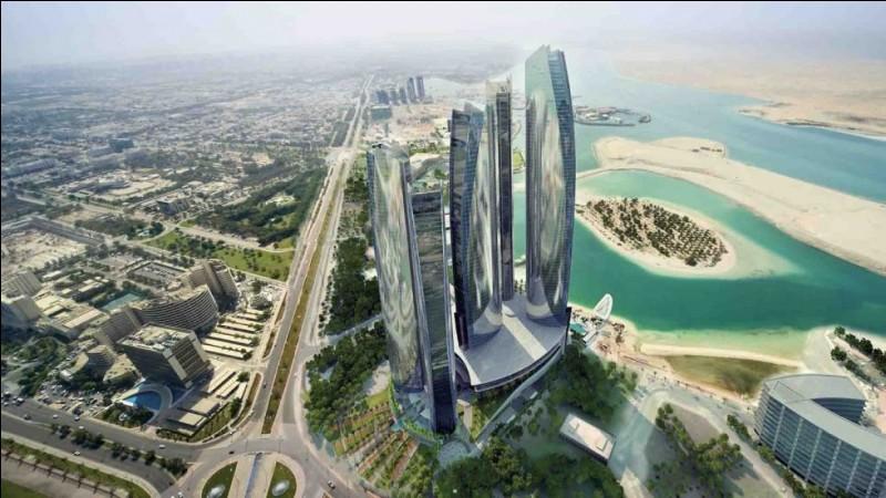Localisation : Moyen-OrientHabitants : 2 784 490Climat : aride subtropicalA voir : Ferrari world A vu naître : Nawaf Al-Janahi,Quelle est cette ville ?