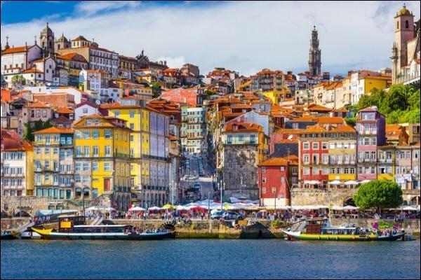 Localisation : Europe Habitants : 237 591Climat : supraméditerranéen A voir : Avenida dos AliadosA vu naître : José MourinhoQuelle est cette ville ?