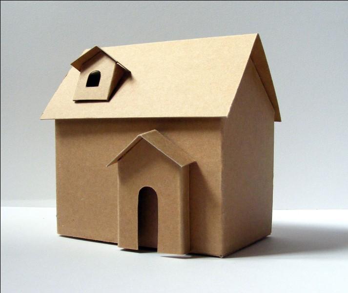 Dans une comptine, qui a une maison en carton et des escaliers en papier ?