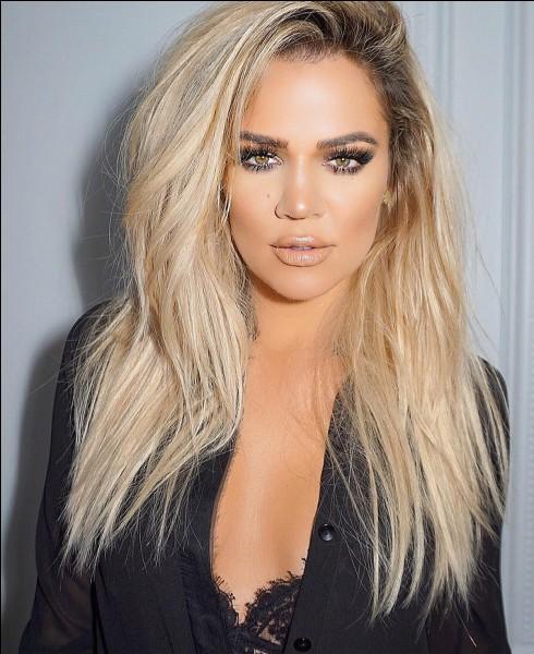 Célébrités, people : Khloé Kardashian a avoué sur les réseaux sociaux qu'elle était déçue d'avoir accouché d'une fille et non d'un garçon.