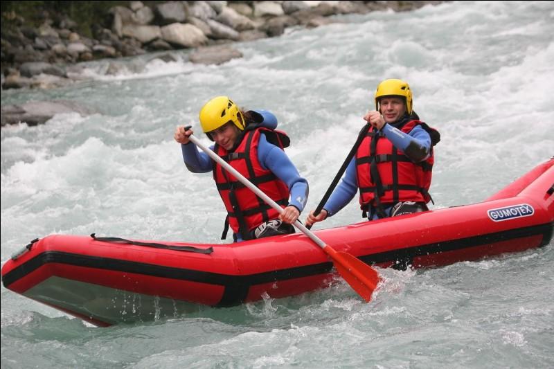La varappe est la descente en canoë dans les rapides.