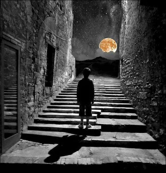 """À qui sont les paroles """"Dans les rues qui se donnent, et la nuit me pardonne, je marche..."""""""
