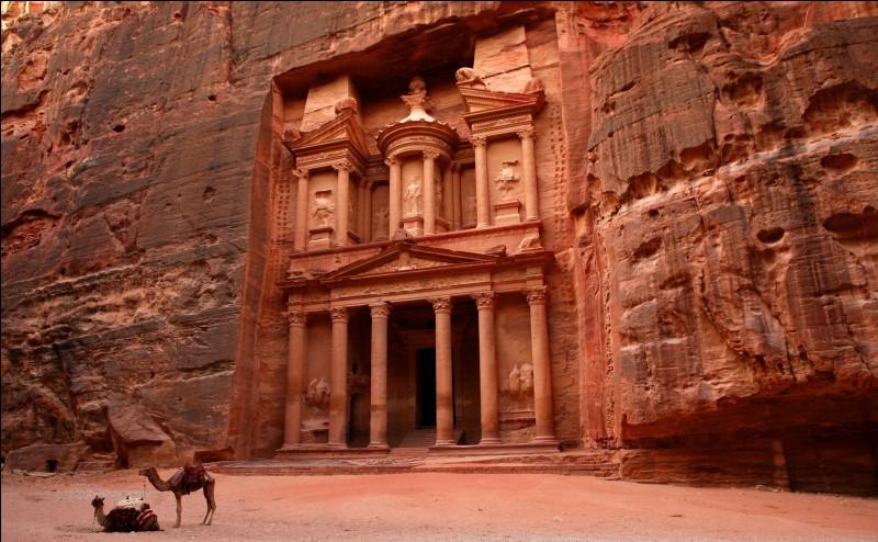 Dans quel pays peut-on photographier l'ancienne cité de Pétra ?