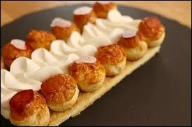 Origine : France (Paris)Constitution : fond de pâte feuilletée, brisée ou sablée, pâte à choux, crème pâtissière, caramel, crème chantilly.