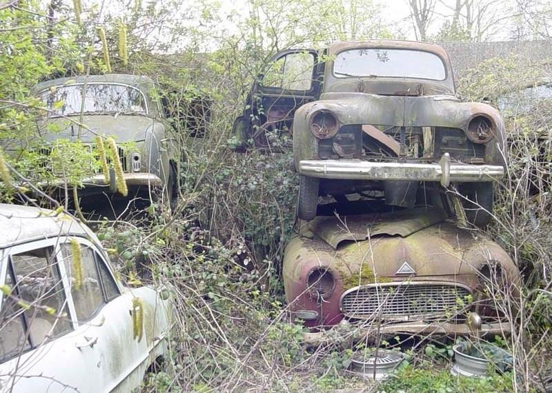 Quelques épaves de voitures