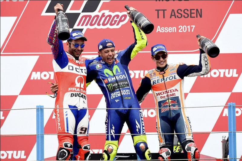 Valentino Rossi fait...
