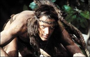 Dans 'Greystoke', quelle actrice incarne la fiancée de Tarzan ?
