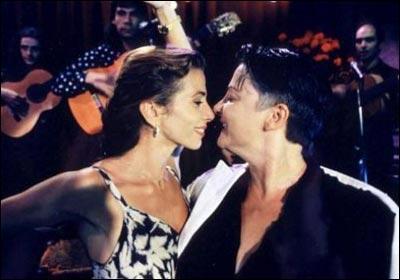 Qui joue le mari trompé de Victoria Abril dans 'Gazon Maudit' ?