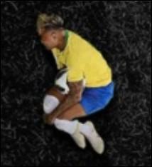 Quelle lettre Neymar a-t-il prise comme position ?