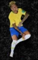 Quelle lettre Neymar présente-t-il ici ?