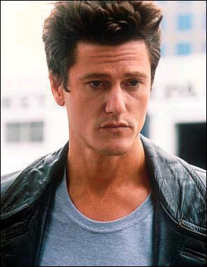 L'acteur qui incarnait 'Bobby le marrant' a été plus tard le héros d'une série TV. Quel en était le titre ?
