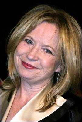 Debra Jo Rupp (Alice) faisait partie du casting d'une série. Quel était son titre ?