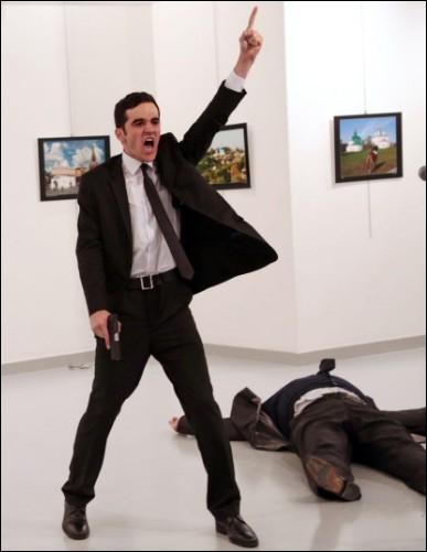 Qui est Mevlüt Mert Altintaş venant de tuer l'ambassadeur russe Andrey Karlov dans une galerie d'art à Ankara ?