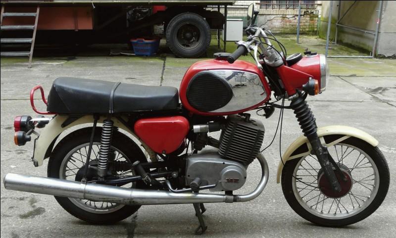 Quelle est cette moto que les coursiers parisiens ont beaucoup utilisée dans les années 70'- 80' ?