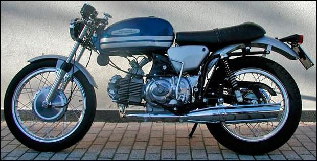 Quelle est cette moto italienne vendue également sous la marque Harley-Davidson ?